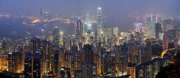 800px-Hong_Kong_Skyline_Restitch_-_Dec_2007